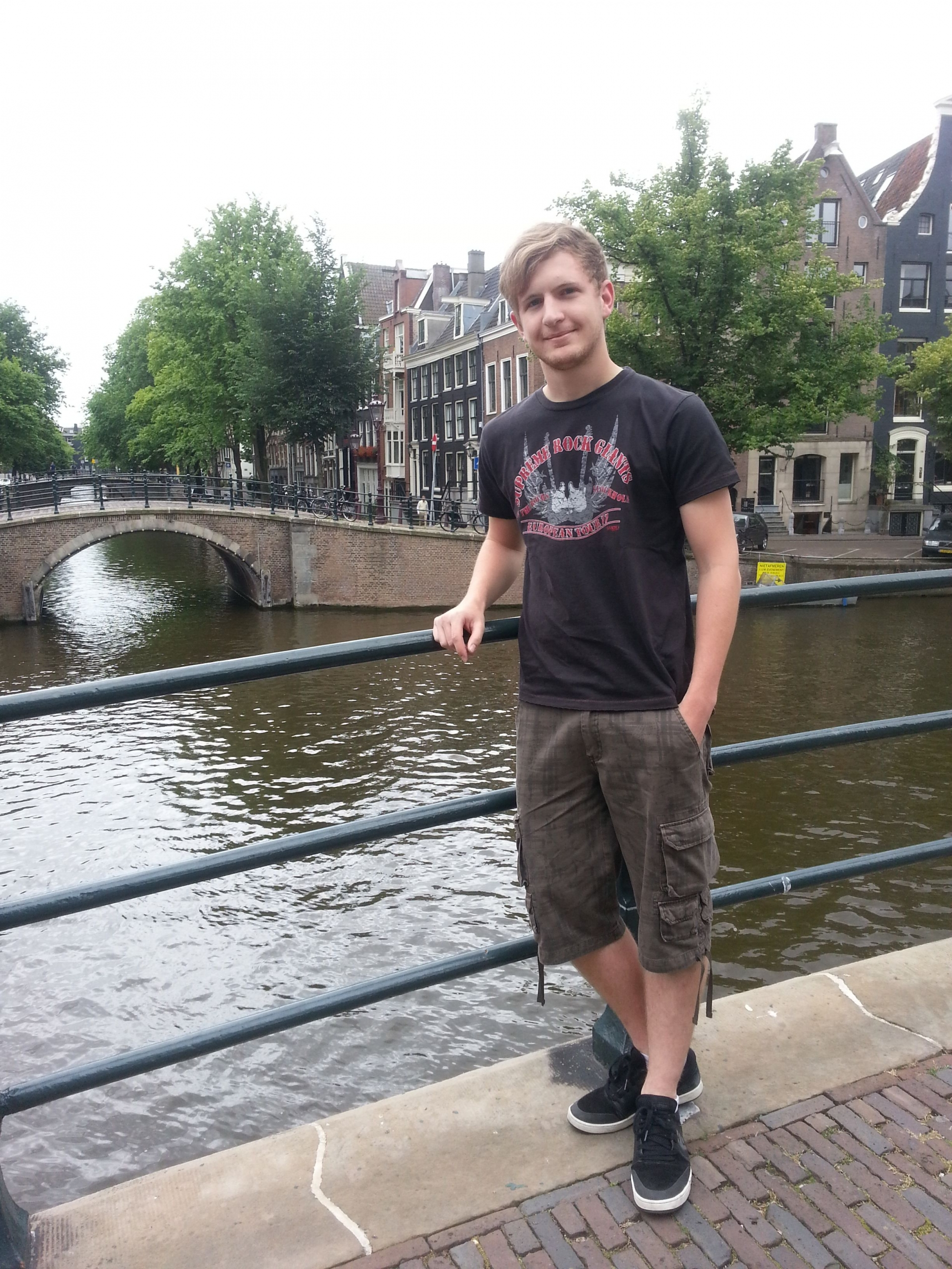 Amsterdam_Titelbild-scaled