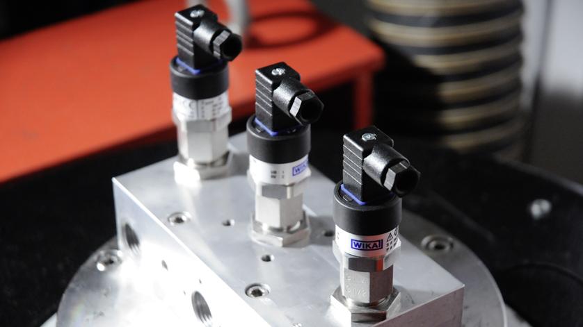 vibrationen-an-druckmessumformern-im-labor