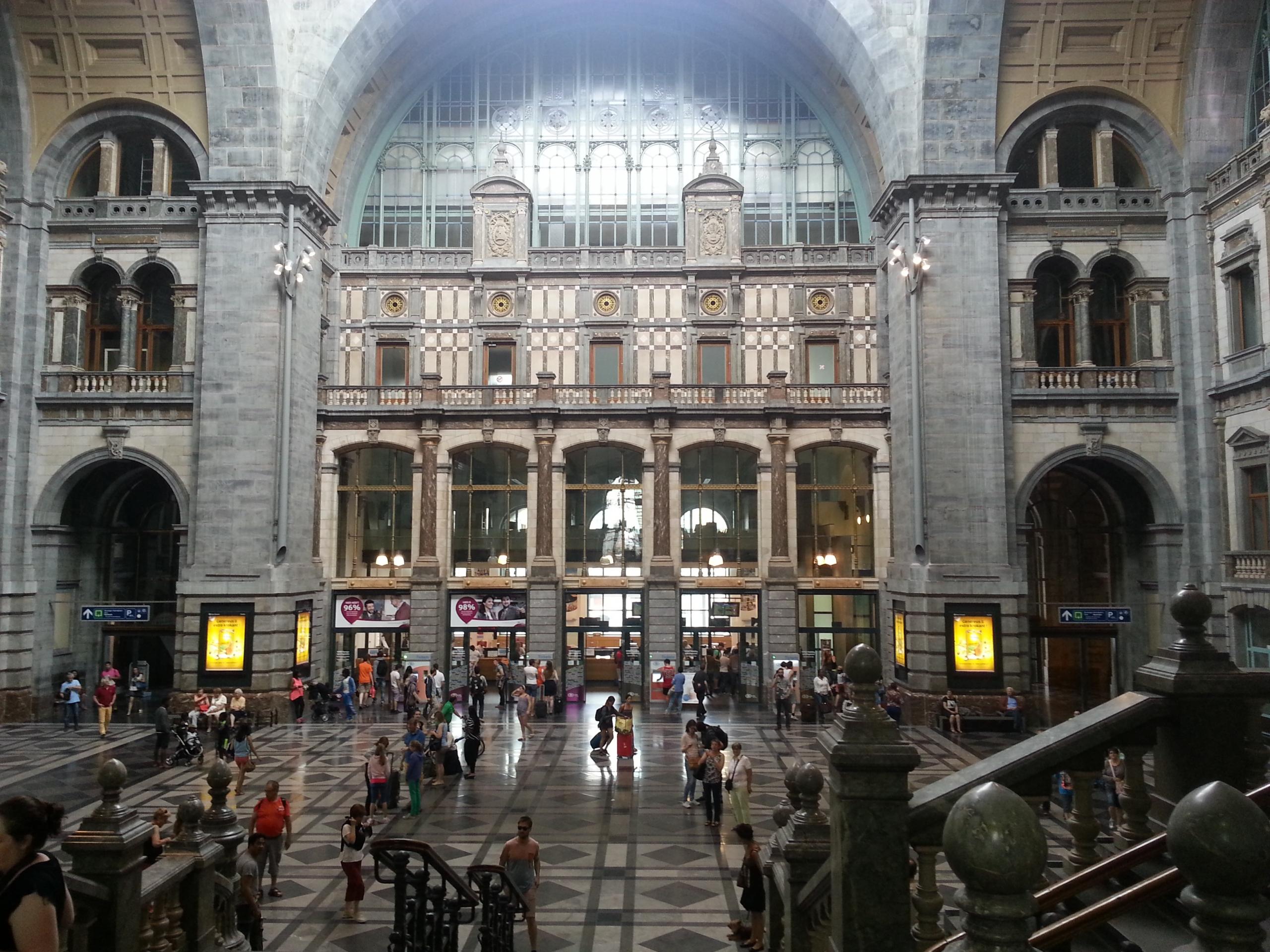 Antwerpen_Bahnhof3-scaled