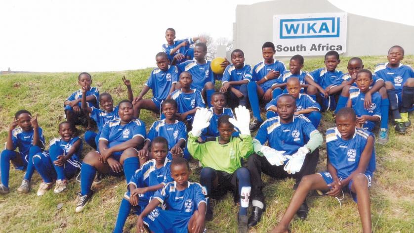 WIKA Südafrika sponsort Trikots für Fußballmannschaft