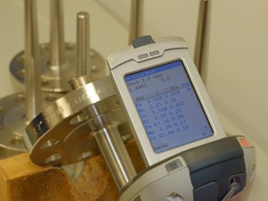 PMI test: X-ray fluorescence analysis of the thermowell stem